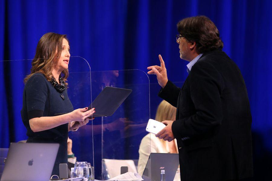 El desconocido cara a cara de Jadue y Mónica Pérez en pleno debate en TV -  La Tercera
