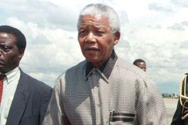 Papeles del Paraíso: Diario alemán revela que Mandela enviaba dinero a Margot Honecker a Chile por paraísos fiscales