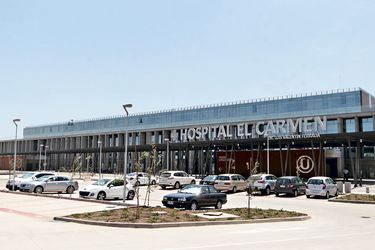 Cuando las manos escasean: Hospital El Carmen suspende cuarentenas preventivas por contacto estrecho y ordena el regreso de funcionarios