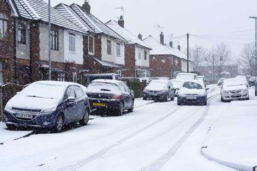 El Reino Unido llevará a referéndum la prohibición de estacionar en la vereda