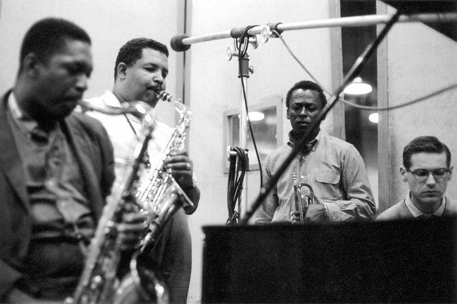 Don-Hunstein-John-Coltrane-Cannonball-Adderley-Miles-Davis-Bill-Evans-Kind-of-Blue-1959