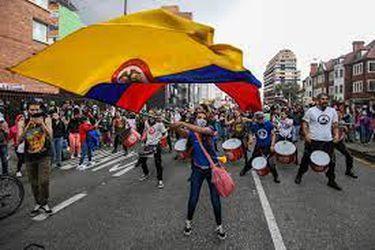 Gobierno de Colombia afirma que manifestaciones habrían generado 15.000 muertes por coronavirus