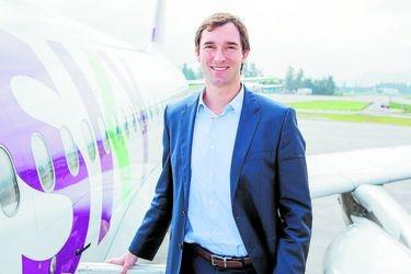 Sky suspende todos sus vuelos y llega acuerdo con trabajadores por reducción salarial