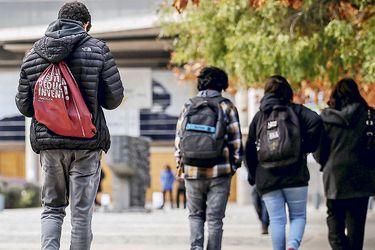 Gobierno se abre al uso de fondos del Crédito Solidario para alumnos que pierdan gratuidad por atrasarse en sus carreras