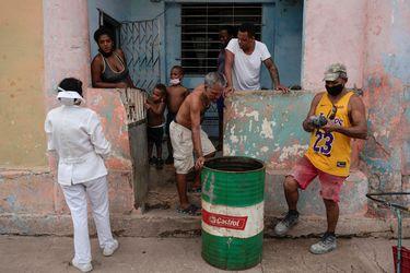 México enviará dos barcos con ayuda médica y alimentaria a Cuba