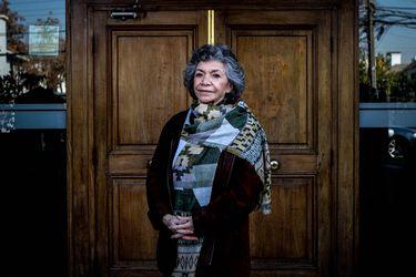 """Isabel Parra: """"Más que euforia por un premio, tengo preocupación por el destino de las mujeres creadoras en Chile"""""""