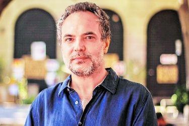 """Juan Manuel Garrido, director de Ciencia en Chile Contemporáneo: """"La ciencia no necesita una ideología para imponer su necesidad"""""""