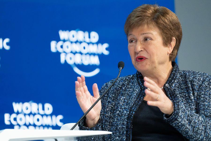 Tras conflicto por clasificación de Chile en ranking del Banco Mundial ahora acusan a directora del FMI de haber presionado para privilegiar a China