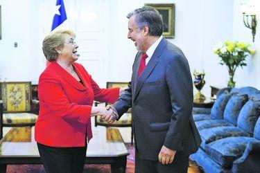Bachelet se reúne con Guillier para abordar continuidad centroizquierda en Gobierno