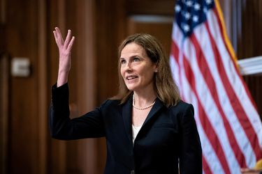Comité judicial del Senado de EE.UU. aprueba a la nominada de Trump a la Corte Suprema