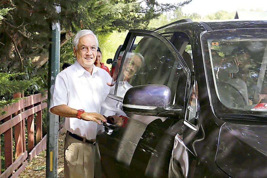 Sebastián Piñera durante sus vacaciones en Lago Ranco.