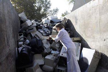 Reclicado de basura electronica