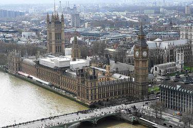 Parlamento británico se mudará temporalmente por reparación de sede