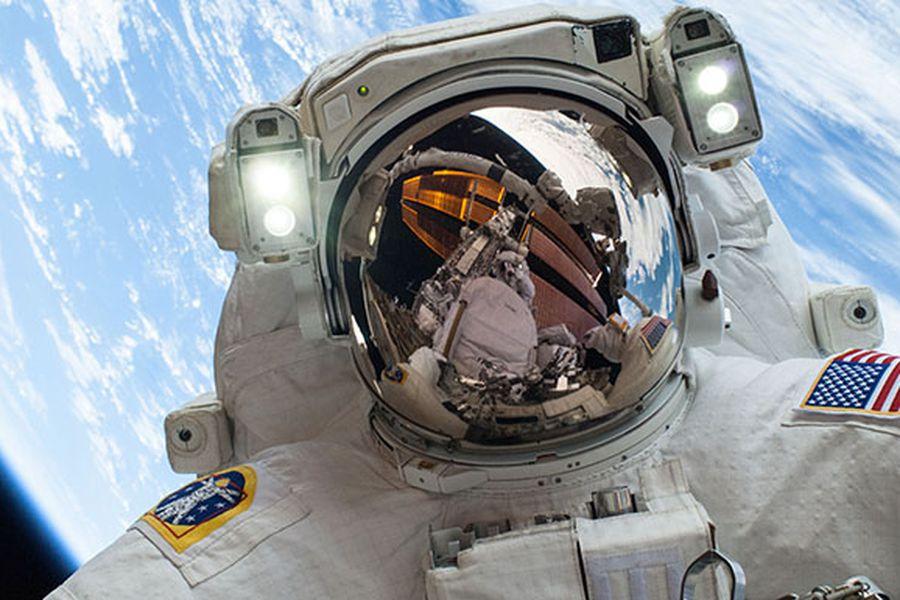 ¿Qué es lo que extrañan más los astronautas cuando están en el espacio? - La Tercera