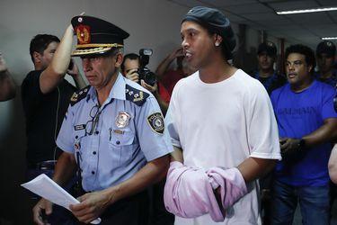 Ronaldinho cumple un mes en la cárcel: cronología de una pesadilla
