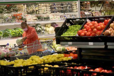 Sernac registra diferencia de hasta $ 22 mil en valor de la Canasta Básica en la RM: brecha en precios de la carne llega al 300%