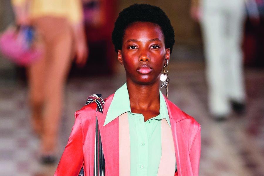 Acne Studios  : Runway - Paris Fashion Week - Womenswear Spring Summer 2019