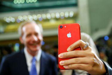 Menos iPhone: escasez de chips obliga a Apple a anunciar recorte de producción de su dispositivo estelar