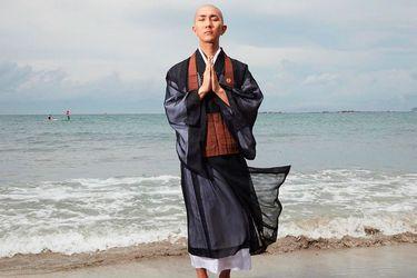 """""""Es lo que soy. No voy a pretender ser otra cosa"""": Kodo Nishimura, el monje budista amante del maquillaje"""