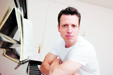"""Paolo Bortolameolli, director de orquesta: """"Esta grave y trágica situación también es una instancia creativa"""""""