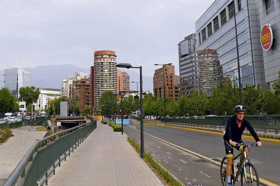 El teleférico estará en el barrio comercial de Providencia. Foto: Juan Farías