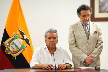Ecuador anuncia el cierre embajadas y empresas estatales ante crisis del coronavirus
