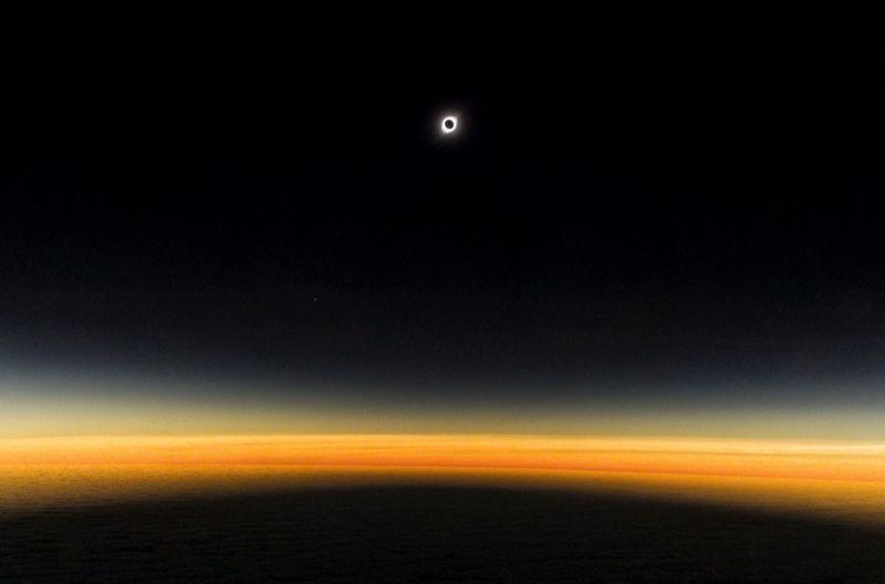 ¿Cómo fotografiar el eclipse con tu smartphone? (y qué hacer si está nublado)