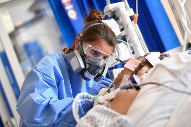 El dramático video de un médico que simula lo que sienten y ven los pacientes con Covid-19 antes de morir: es terrorífico