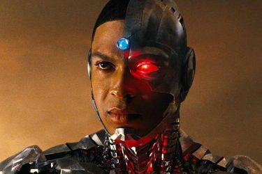 """Jon Berg desmintió a Ray Fisher y dijo que el actor se enojó cuando le pidieron decir """"¡Booyah!"""" en Justice League"""