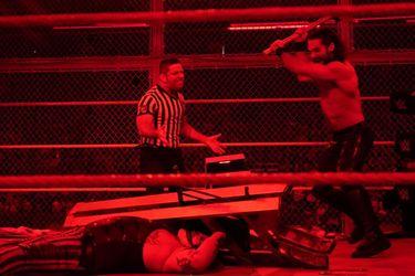 El final de Hell in a Cell es lo peor que ha pasado en la WWE este año