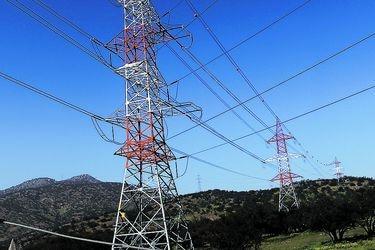 Se endurece pugna eléctrica: generadores exigen a transmisoras millonario pago