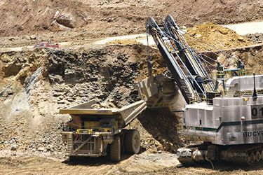 "Producción de cobre de AngloAmerican anota leve alza en segundo trimestre y dice que no espera ""impacto significativo"" en 2020"