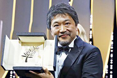 Cannes premia al japonés Hirokazu Koreeda por una cruda crónica familiar
