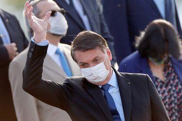 Bolsonaro veta proyecto que hace obligatorio el uso de mascarillas en comercios e iglesias