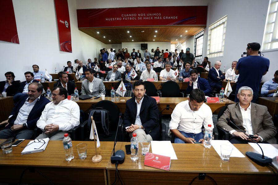 Los presidentes de Primera B quieren permisos para volver a ingresar a los estadios y le enviaron una carta a Pablo Milad, timonel de la ANFP.