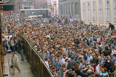 """La historia de la primera persona que cruzó el Muro de Berlín: """"Sentí que volvíamos a tener una vida normal"""""""