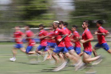 Más lentos, con más grasa y menos resistencia y musculatura: Así será el futbolista chileno que vuelva a los entrenamientos