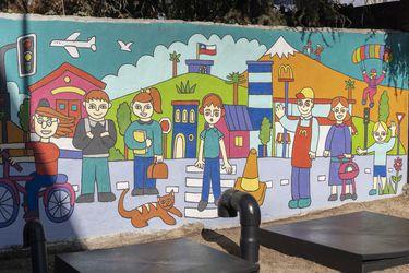 Día del Medioambiente: presentan mural sustentable que purifica y descontamina el aire