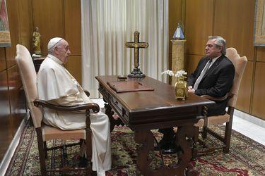 Alberto Fernández se reúne con el Papa Francisco para hablar de la pandemia