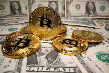 Una tarjeta de crédito Visa ofrece incentivos en Bitcoin