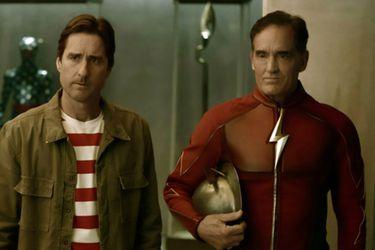 El Jay Garrick de John Wesley Shipp se presenta junto a la Sociedad de la Justicia en las fotos de un nuevo episodio de Stargirl