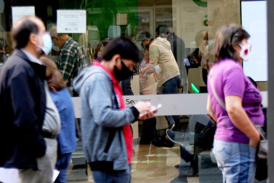 CMF prohíbe comercialización de 39 pólizas de seguros que cubren riesgos de fraudes en el uso de tarjetas y transferencias electrónicas