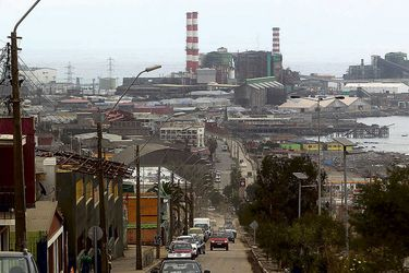 Estudio UC: habitantes de zonas con termoeléctricas se enferman 4 veces más