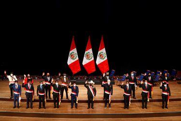 Crecen cuestionamientos al gabinete de Pedro Castillo en Perú y la oposición pide cambios