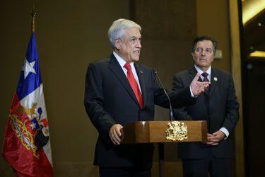 LIMA:Sebasti‡n Pi–era realiza un punto de prensa luego de reunirse con el primer ministro de Canada