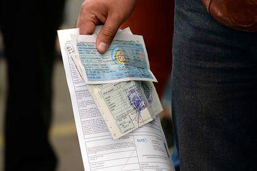 Gobierno aplaza tres meses el pago de permisos de circulación para taxis, buses y furgones escolares