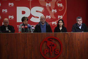 """PS busca capitalizar crisis oficialista: Asegura votos para retiro de fondos de AFP y llama a la oposición a """"levantar una alternativa de gobierno"""""""