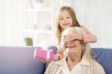 Los mejores regalos para las abuelas (según abuelas)