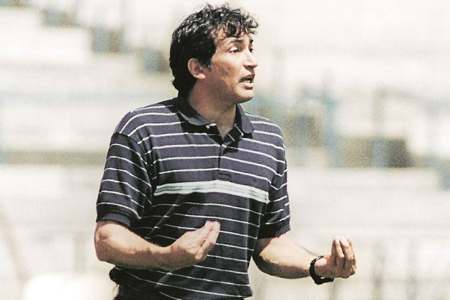 Carlos Tucco, durante su época como entrenador del Pachuca, en 2003. FOTO: AFP.