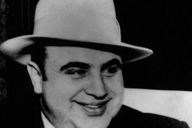 """""""Un marido ejemplar"""": los secretos de la vida privada de Al Capone, el mafioso más famoso de la historia"""